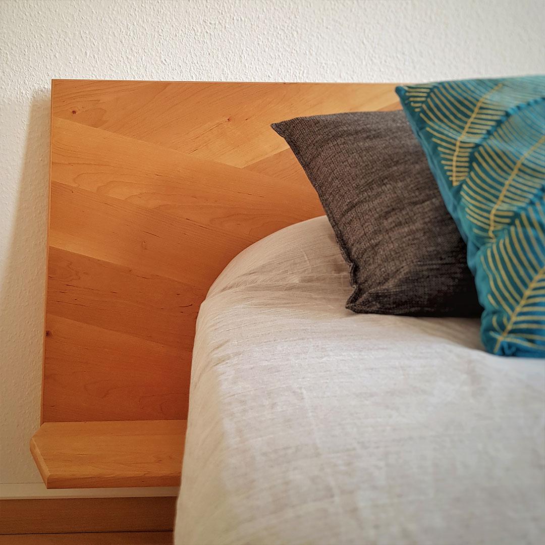 Bett aus Erle
